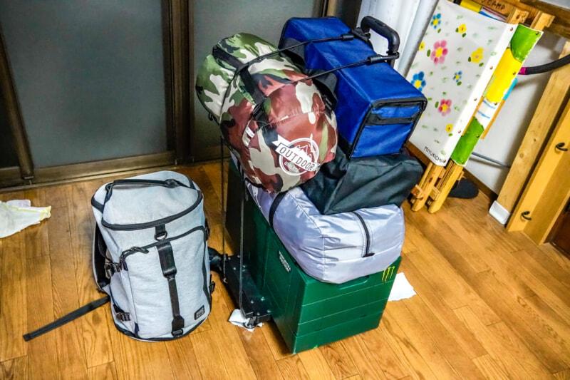 【徒歩キャンプの装備と持ち物】キャリーとザックを活用して冬キャンプも快適に過ごそう