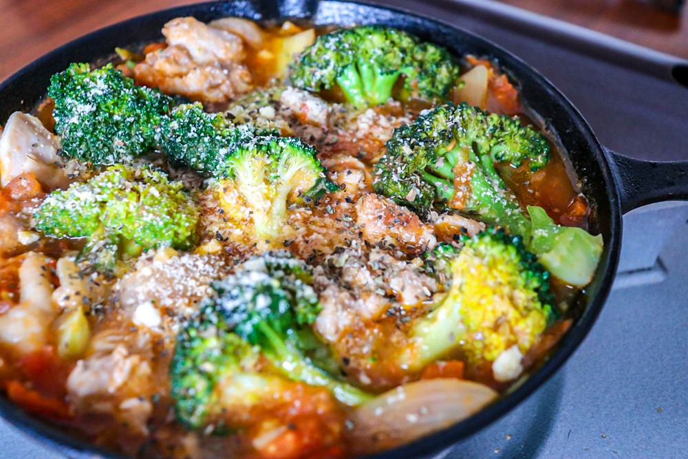スキレットで作れる簡単鶏肉料理