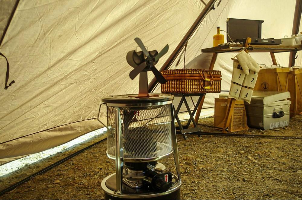 ストーブファンを使って暖気を循環させる
