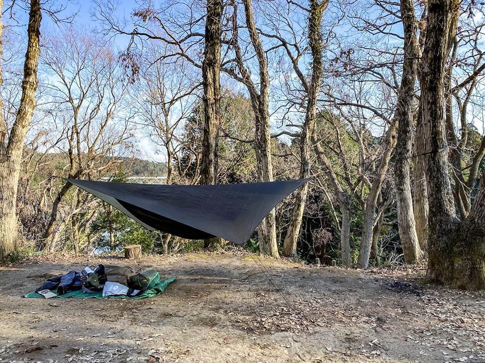 ハンモックのタープを張った写真
