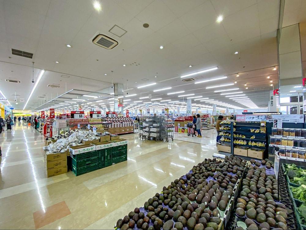 ベイシアスーパーセンターちば古市場店の内観