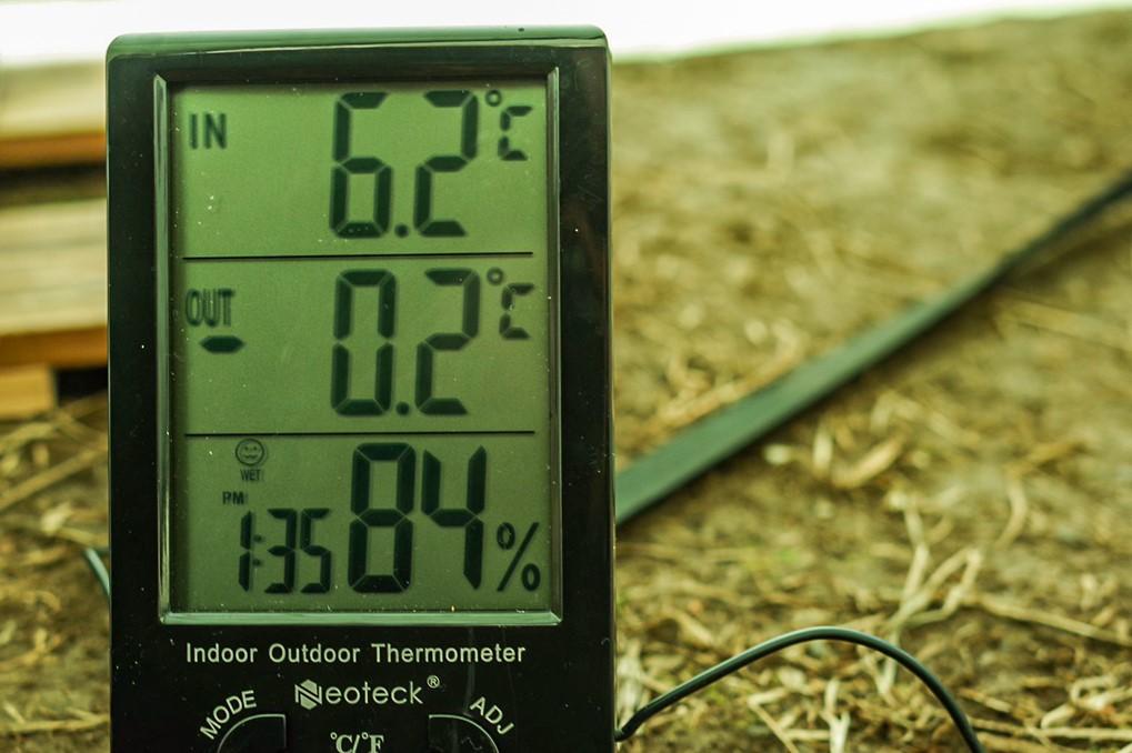 冬キャンプの外気温とテント内の温度