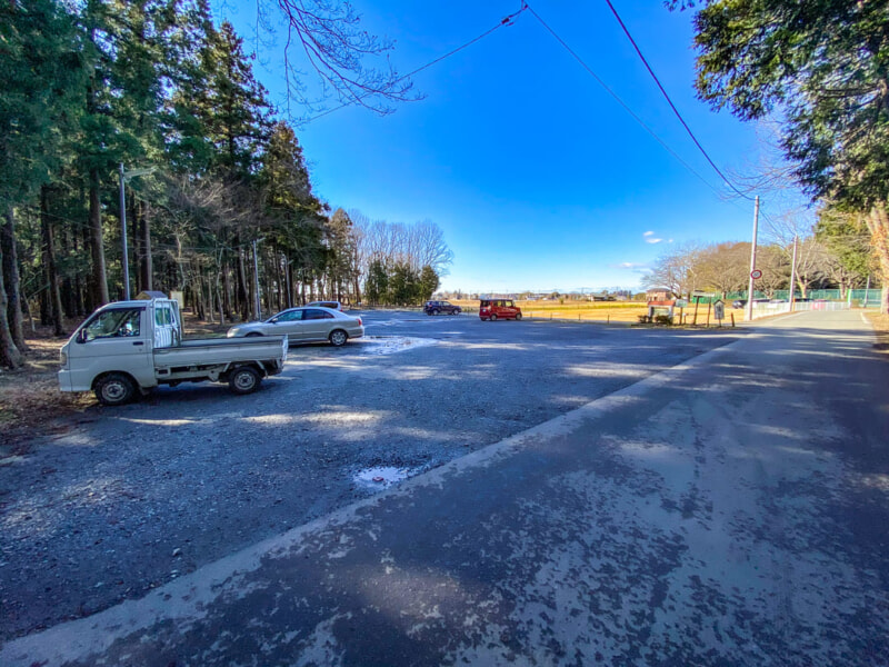 豊里ゆかりの森キャンプ場の駐車場