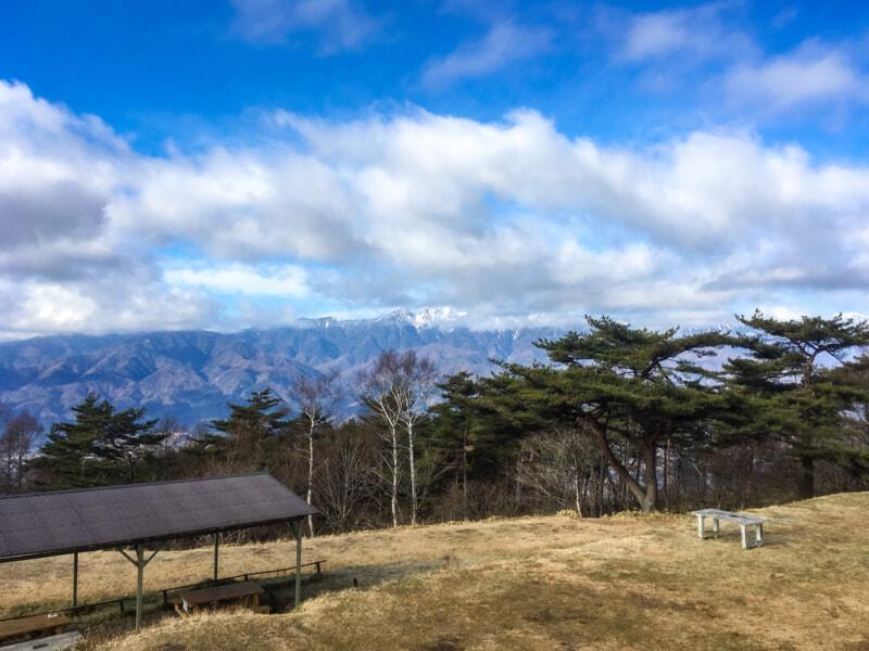 開放的なキャンプが楽しめる陣馬形山キャンプ場