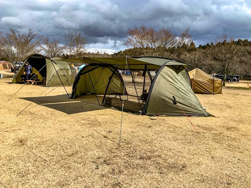 やまぼうしオートキャンプ場でテント設営
