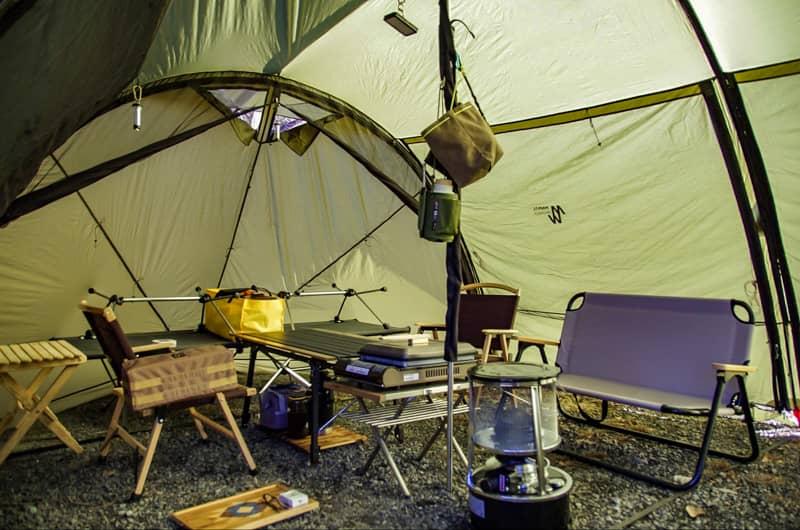 キャンプ場での忘れ物が激減!小物を直置きしないアイディアを紹介します