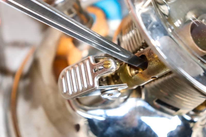 ペトロマックスHK500の予熱バーナーの清掃方法