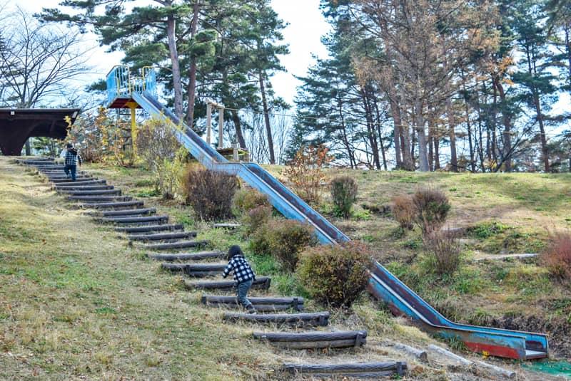 市民の森公園にある滑り台