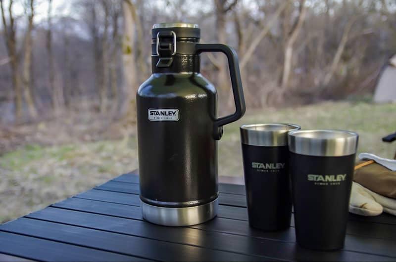 水筒やペットボトル入りの飲み物全般