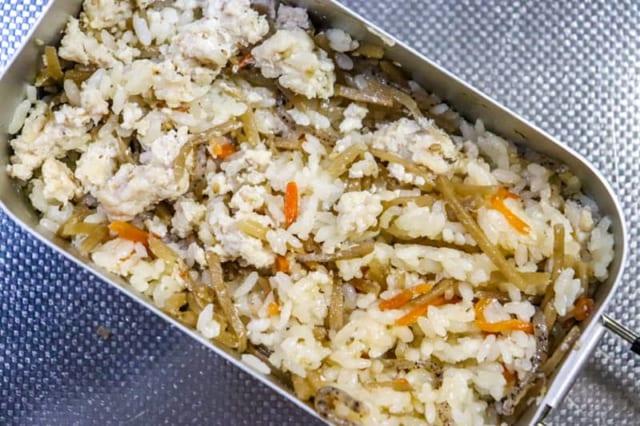 メスティン1合炊飯の手順と、おすすめの炊き込みご飯レシピを紹介します