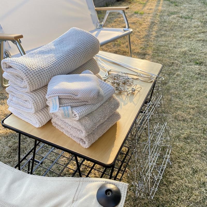 庭で畳んだ洗濯物