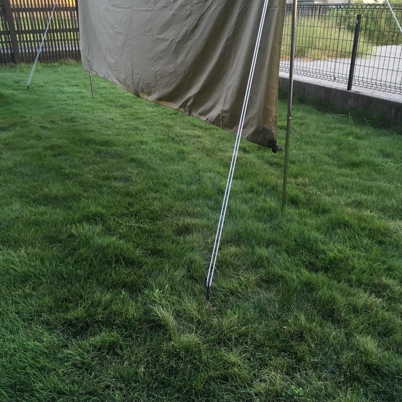 庭にタープを設営