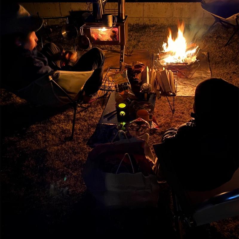 庭キャンプで焚き火