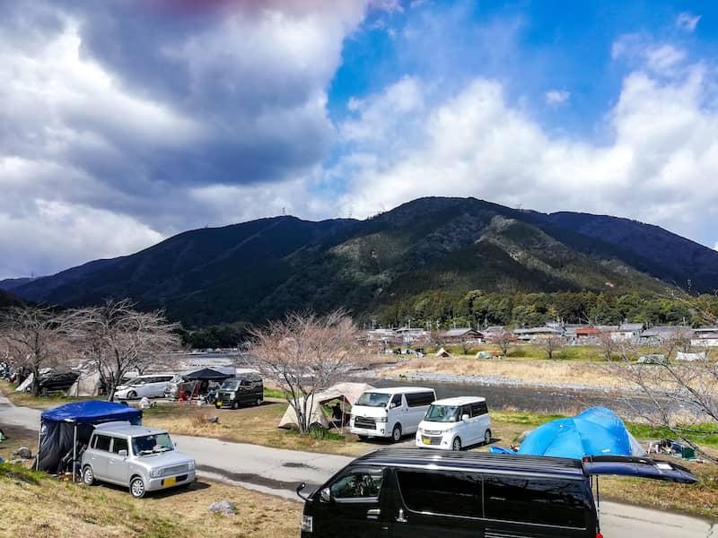 無料キャンプ場ビギナーでも満足!岐阜、粕川オートキャンプ場のススメ