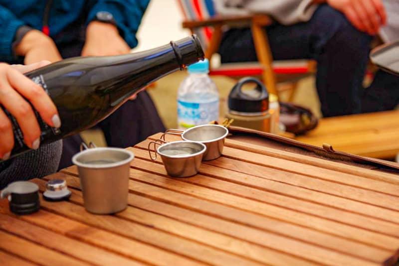 キャンプでワンランク上のお酒を味わうための便利ギア&アイデア集