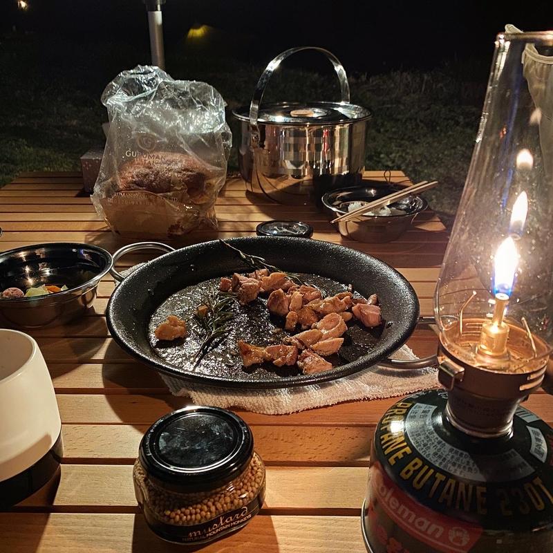 キャンプ料理のテーブルコーディネート術-3