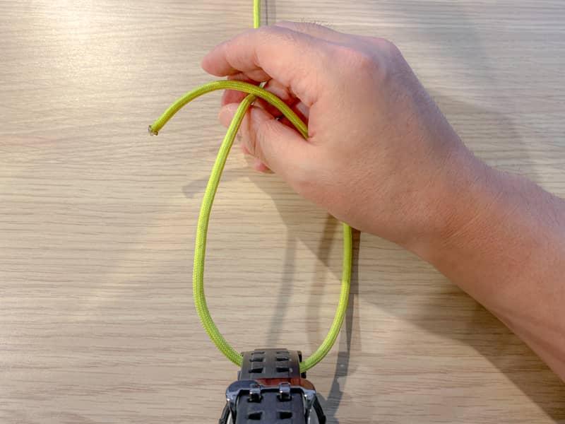 片手もやい結び(身体もやい結び)の結び方-2