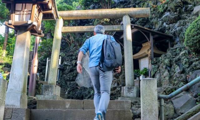 富士山に10秒で登れる!?誰でも気軽に登頂できる東京の富士塚をご紹介