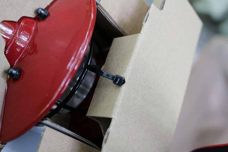 ミニエジソンランタンLEDの箱と結束バンド