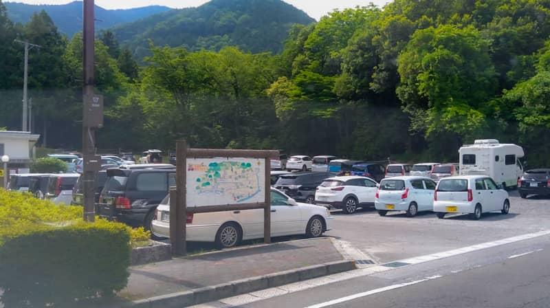 芝サイト駐車場