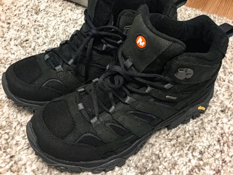 防水性の高い靴を用意する