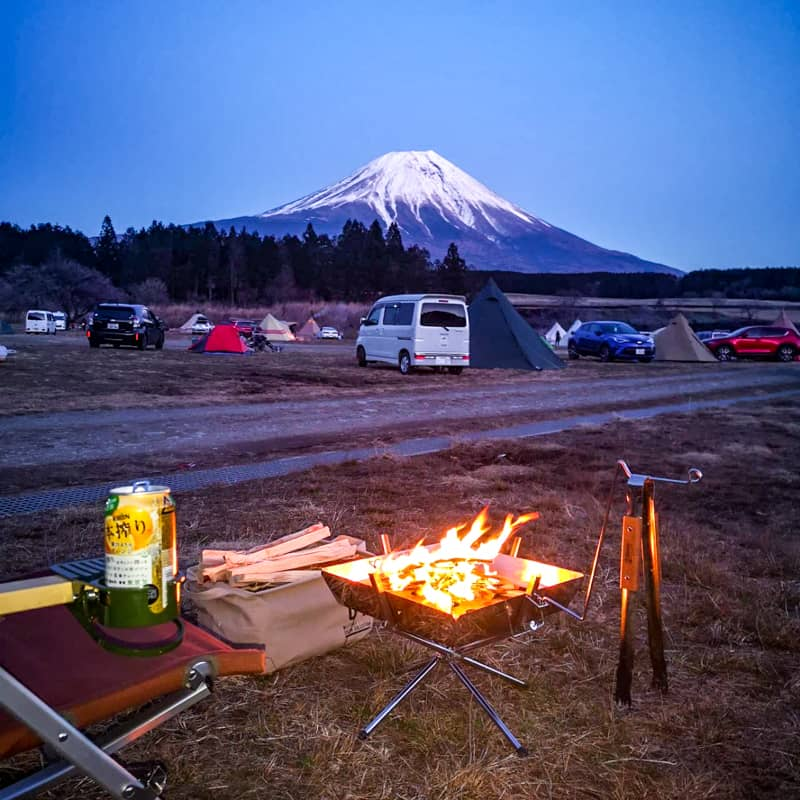 富士山を眺めながら焚き火