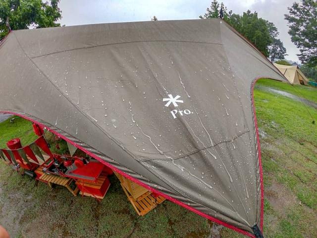 雨キャンプと仲良しになれるサイトレイアウト紹介!お気に入りギアやアイデアも満載