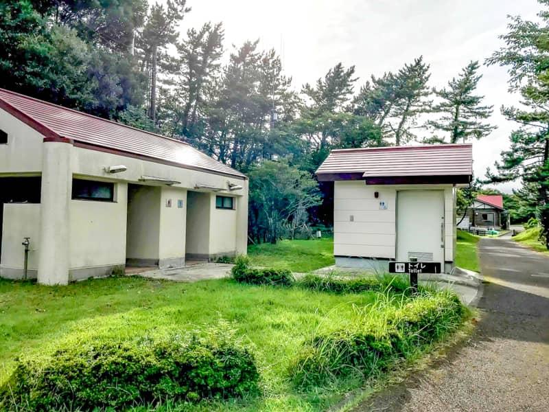 だるま山高原キャンプ場-トイレ外観