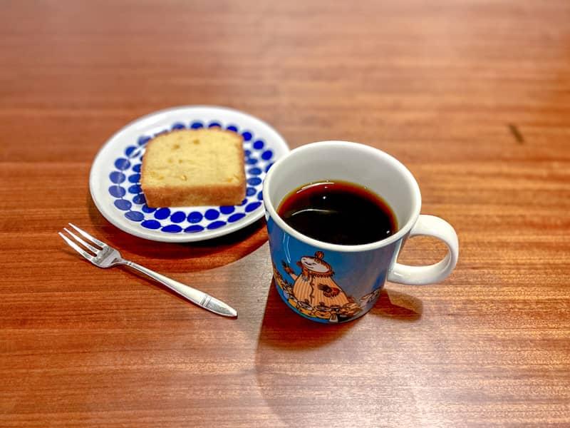 コーヒーとレモンケーキ