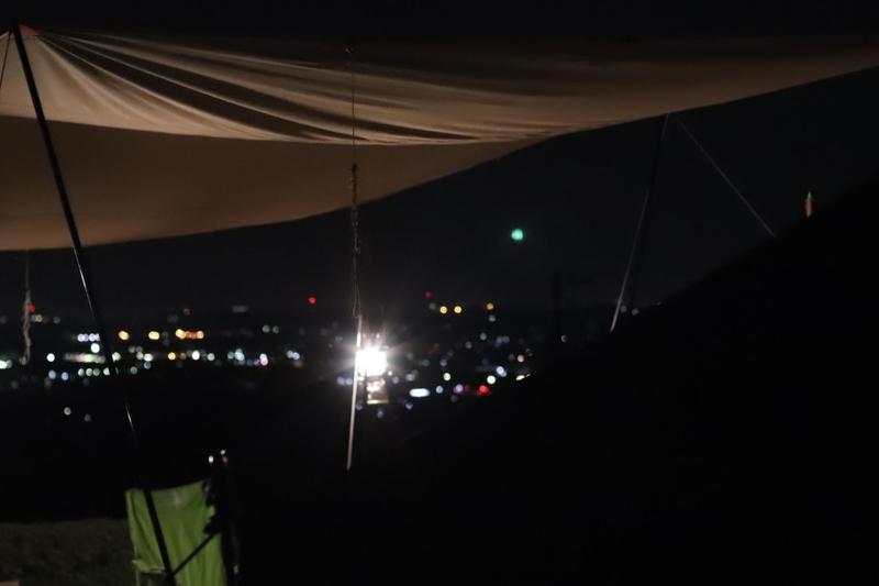 夏の尾高高原キャンプ場の夜景