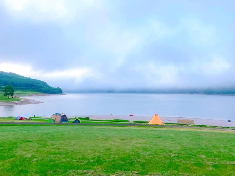 ロケーション抜群!北海道南富良野「かなやま湖畔キャンプ場」で初ファミリーキャンプ