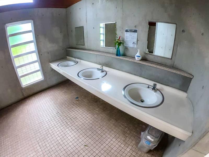 33トイレ3