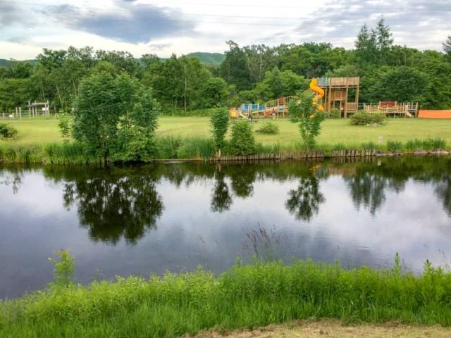 赤いベレーキャンプ場(自然休養村野営場)はドッグラン付きで愛犬家にもおすすめ!