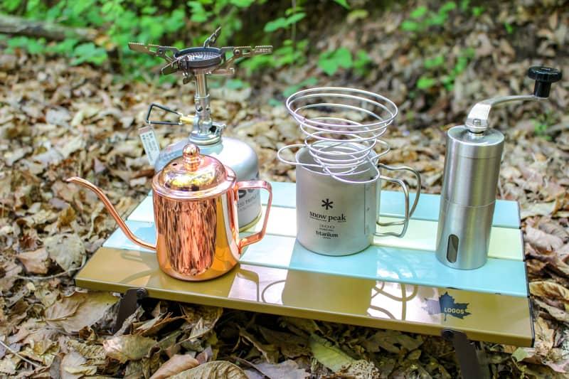 キャンプ場でハンドドリップコーヒーを楽しむための道具とおいしい淹れ方を紹介します