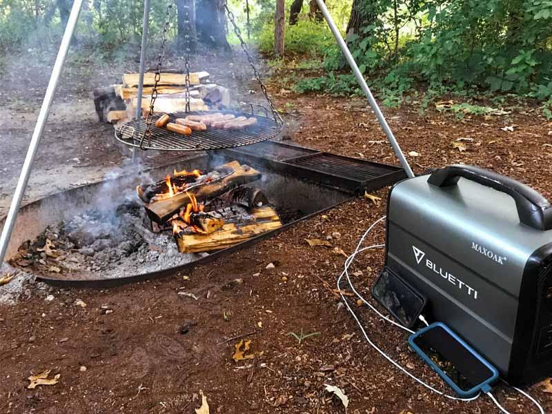 大容量ポータブル電源BLUETTIをキャンプ場で使用