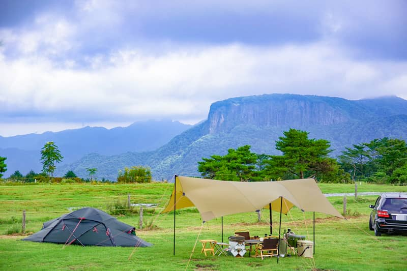 内山牧場キャンプ場は日本のエアーズロックが拝める360度パノラマ絶景のキャンプ場