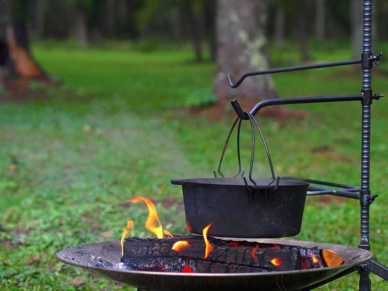 ハンキングでキャンプ飯を作る
