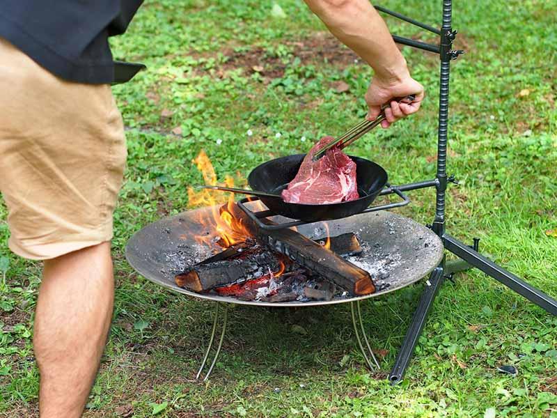 ハンキングと焚き火と鉄フライパン