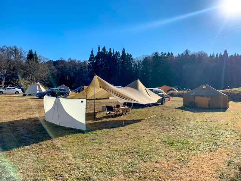 ハイテクとローテクが融合した新しいキャンプ場