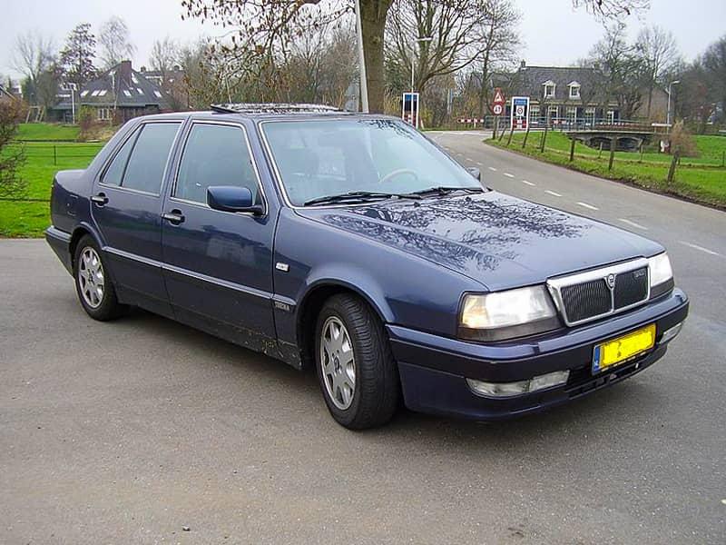 800px-LanciaThema_3.0V6