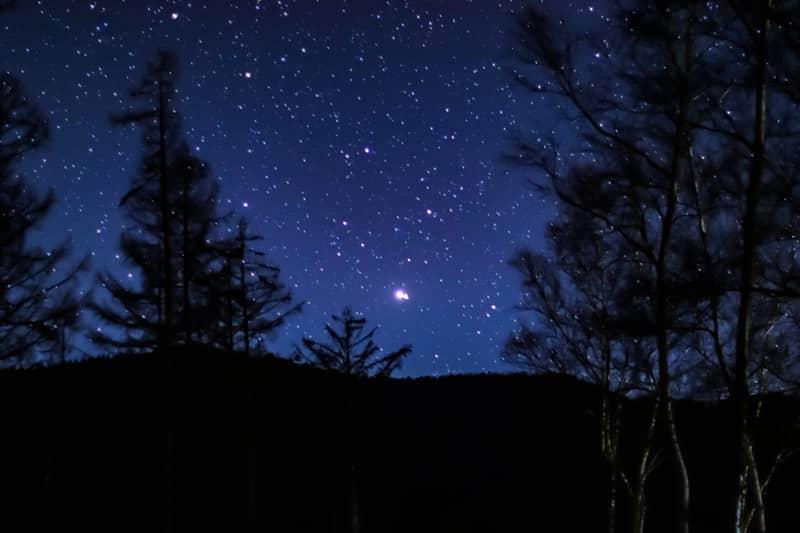 日本一の星空が楽しめる「銀河もみじキャンプ場」で大自然のプラネタリウムを満喫!