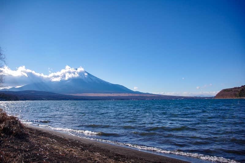 山中湖超しの富士山が絶景