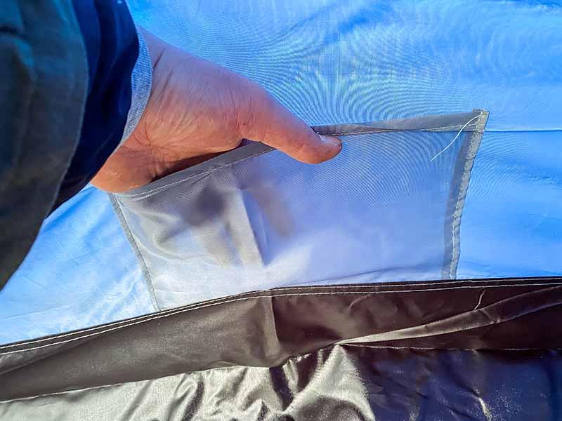 テント内の小物を入れるポケット