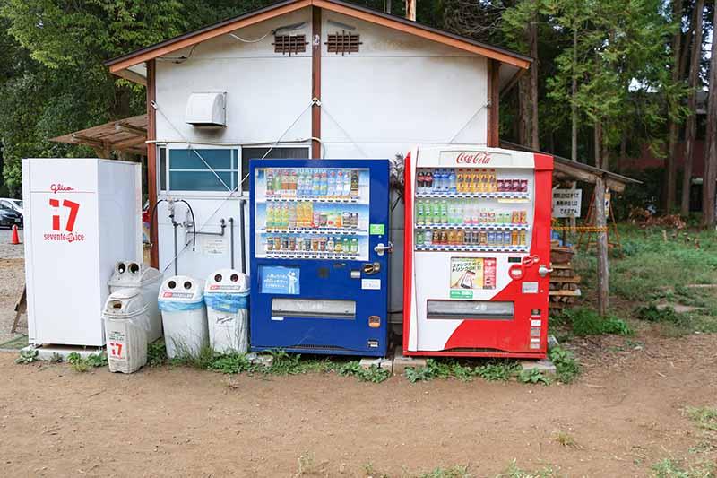 レンタル棟横の自動販売機