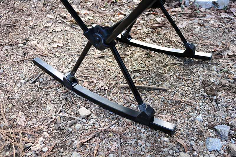 ロッキングフットを装着したヘリノックスチェア