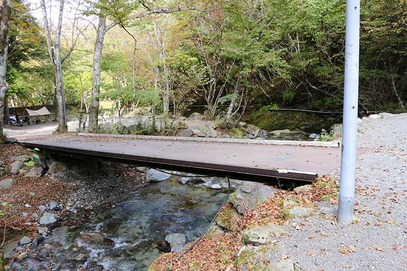 最奥にいくエリアの橋