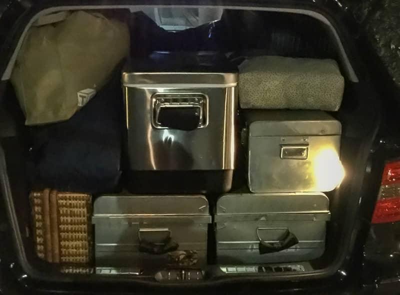 車から荷物を頻繁に下ろす