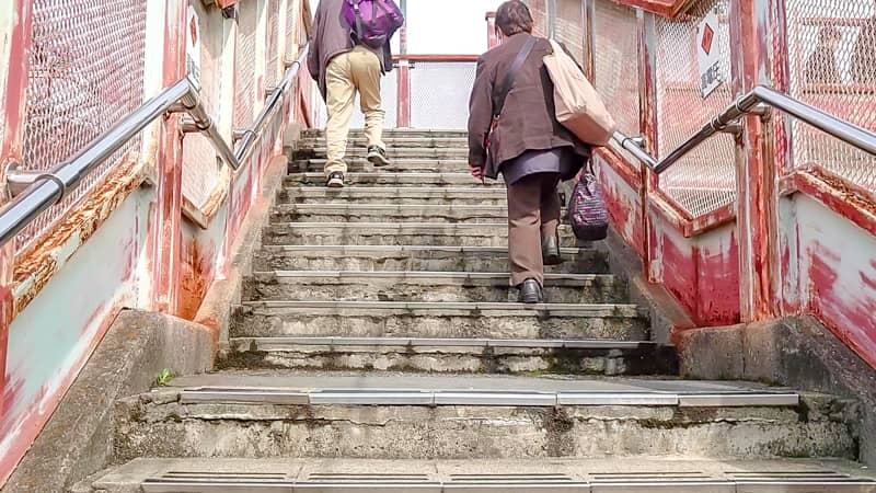 安芸川尻駅の階段