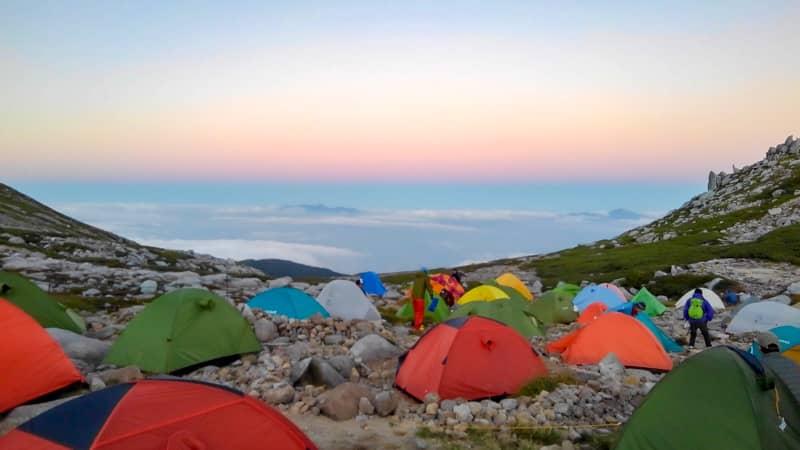 朝焼けのテント場