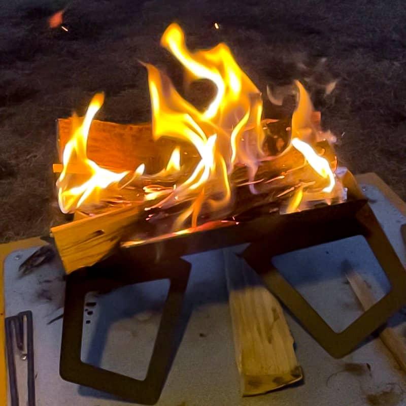火を起こしながらの五徳使用は大変